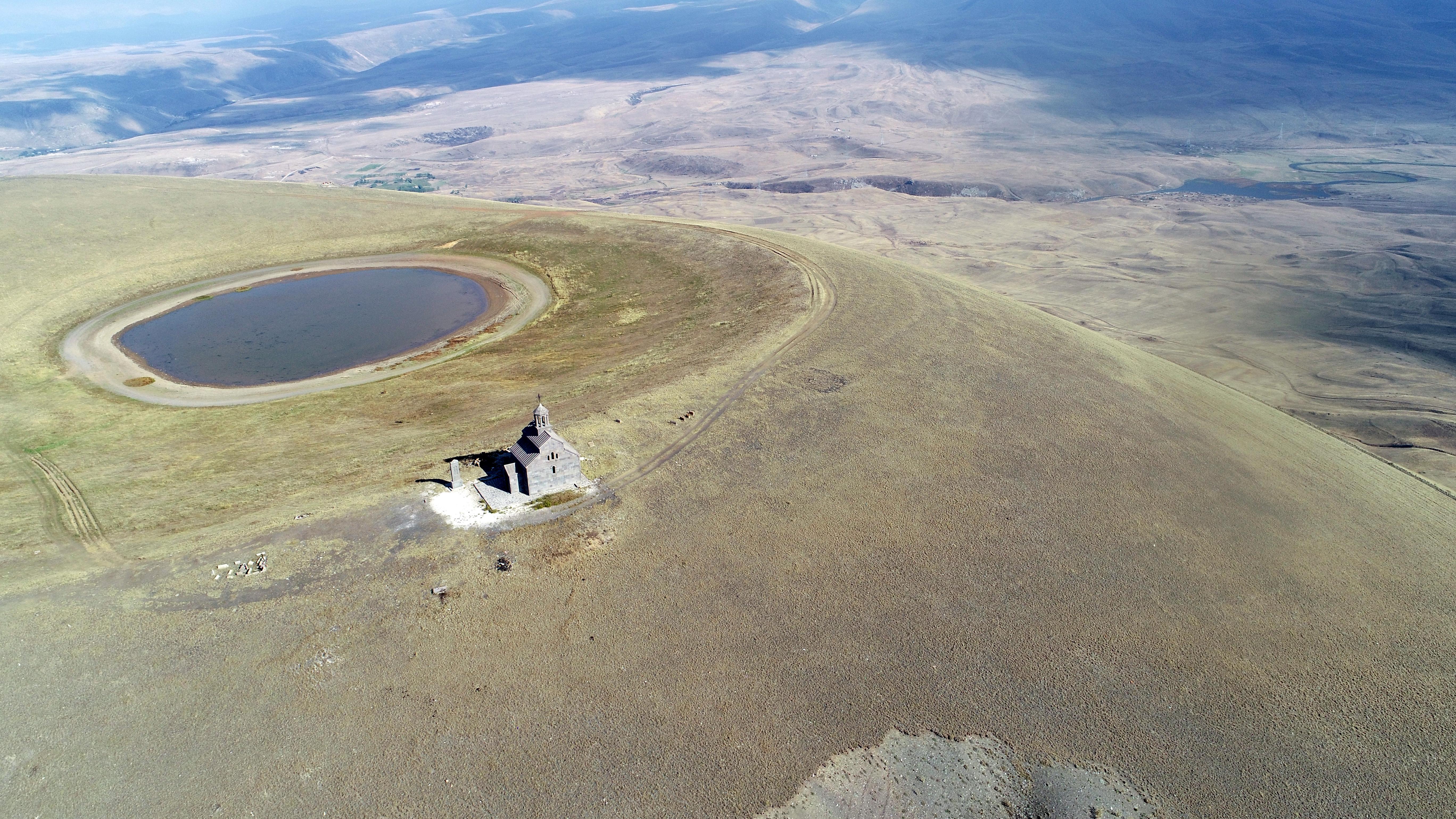 Вулкан Армаган, Армения